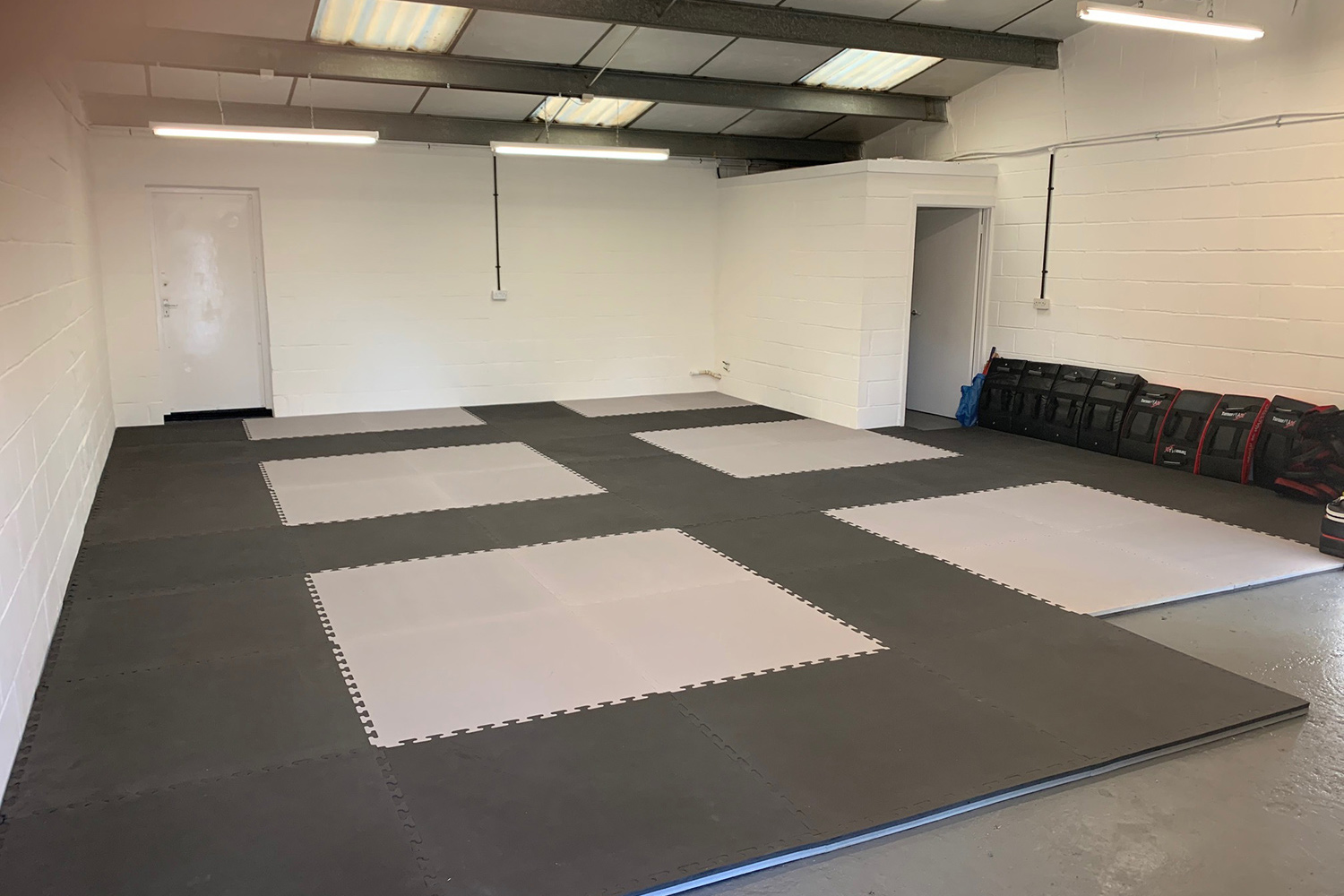 At last, took a while. Mat's down. We can start training